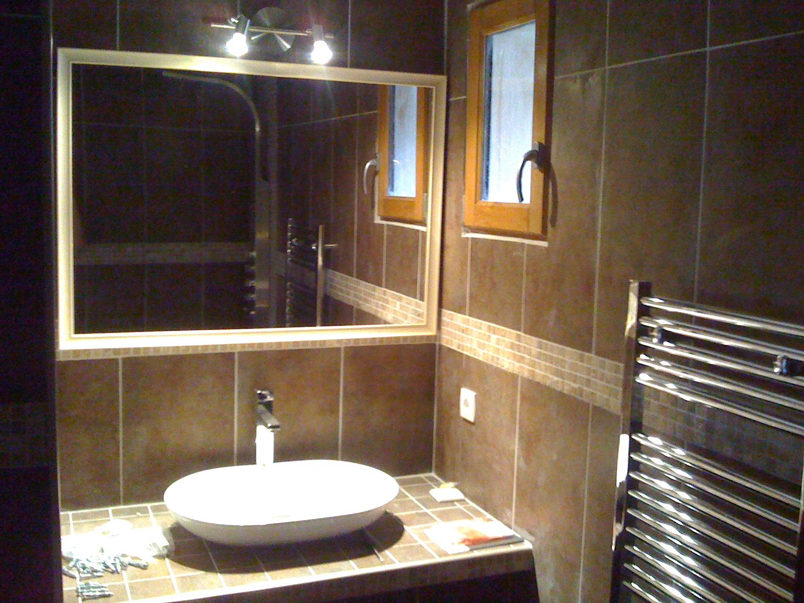 Plan de travail salle de bain en mosaique