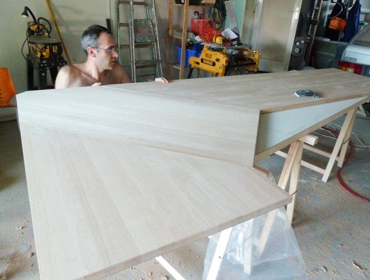 assembler 2 plan de travail en angle. Black Bedroom Furniture Sets. Home Design Ideas