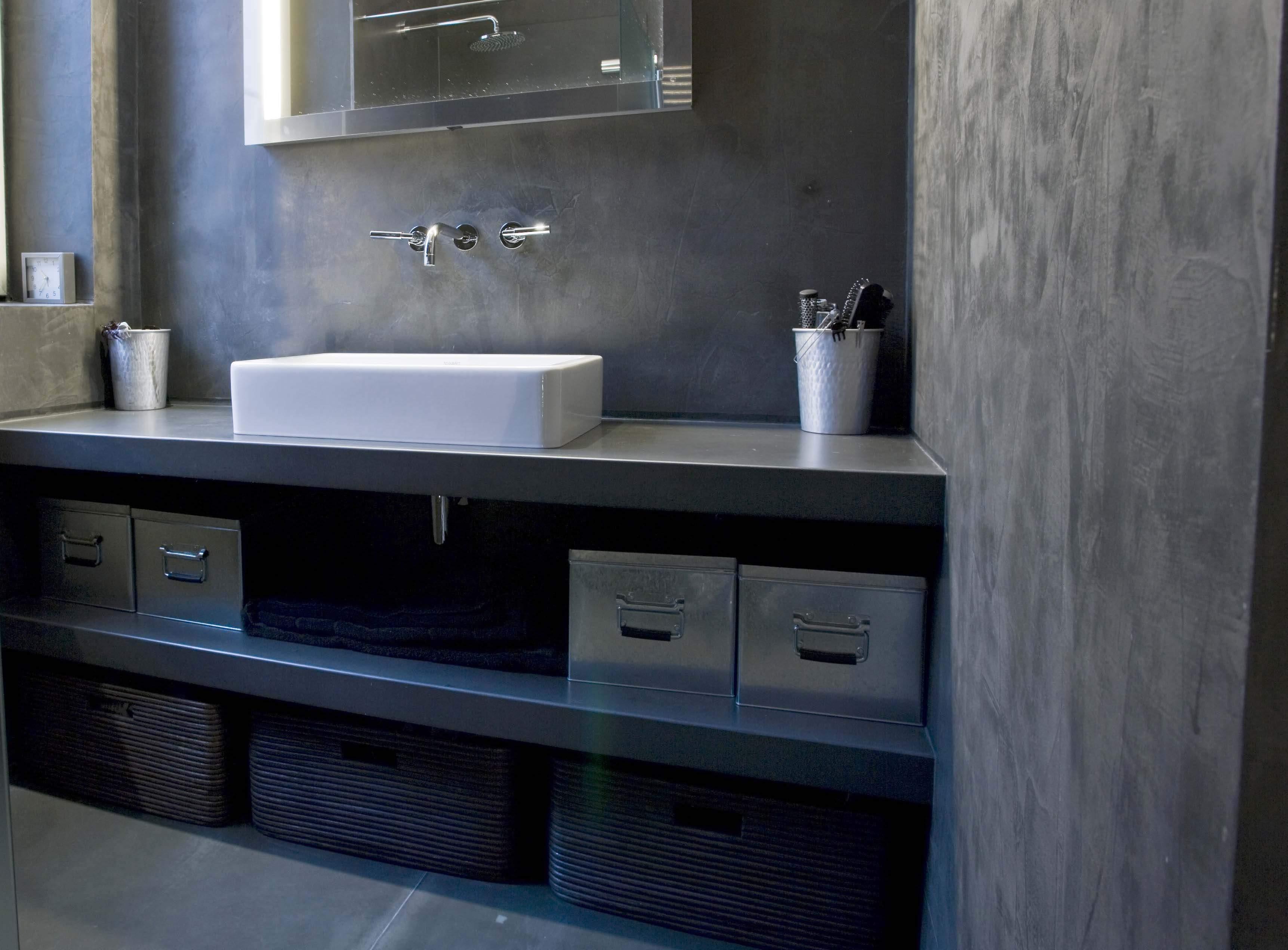 Plan de travail beton cire salle de bain