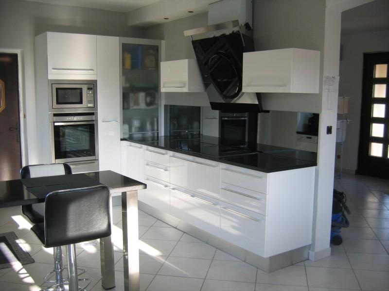 modele cuisine laqu blanc. Black Bedroom Furniture Sets. Home Design Ideas