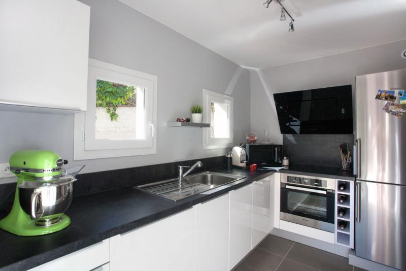 Modele de cuisine blanc et noir - Cuisine design blanche et noire ...