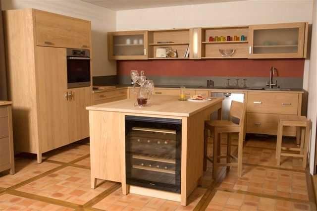Meuble de cuisine en bois naturel - Cuisine bois naturel ...
