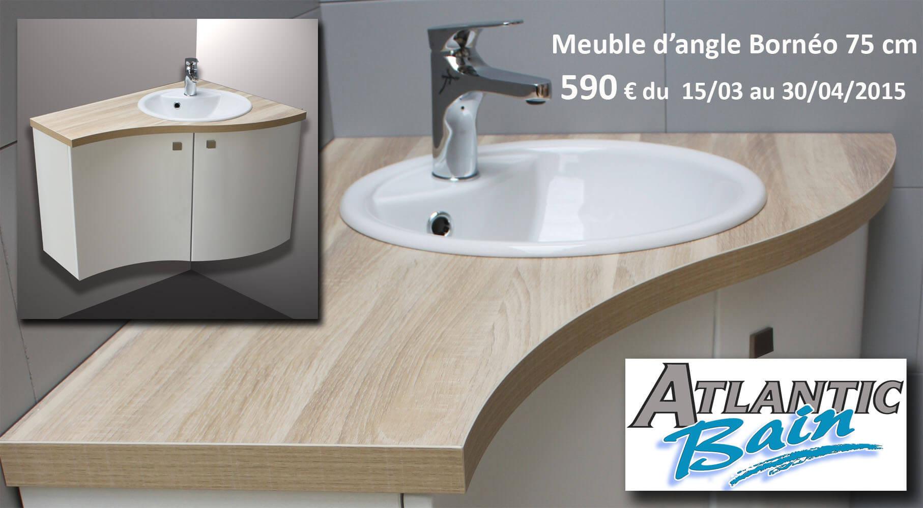 Salle de bain avec meuble d'angle
