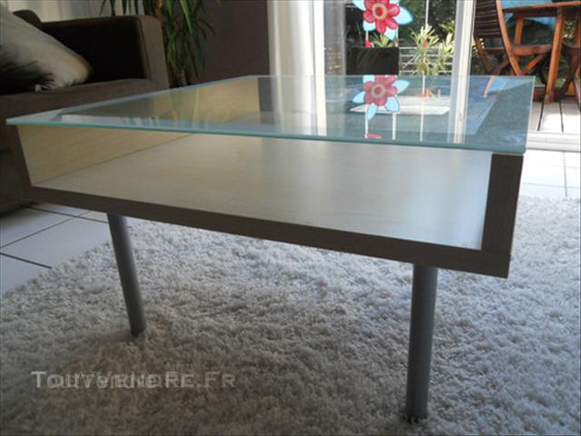 table basse en verre chez ikea. Black Bedroom Furniture Sets. Home Design Ideas