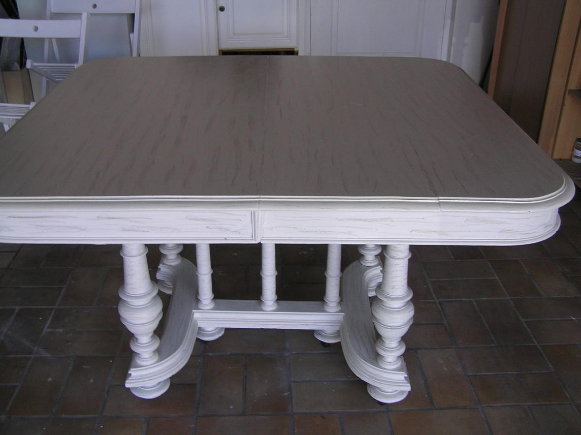 peindre une table de cuisine en bois. Black Bedroom Furniture Sets. Home Design Ideas