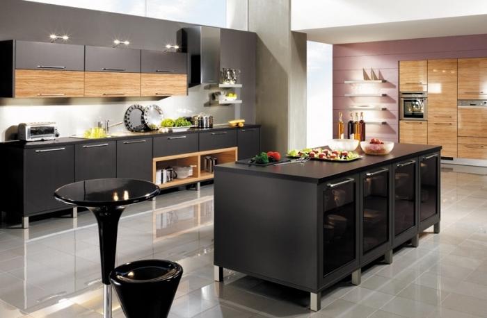Modele cuisine noire et bois