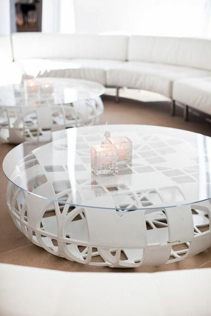 Jolie table basse en verre