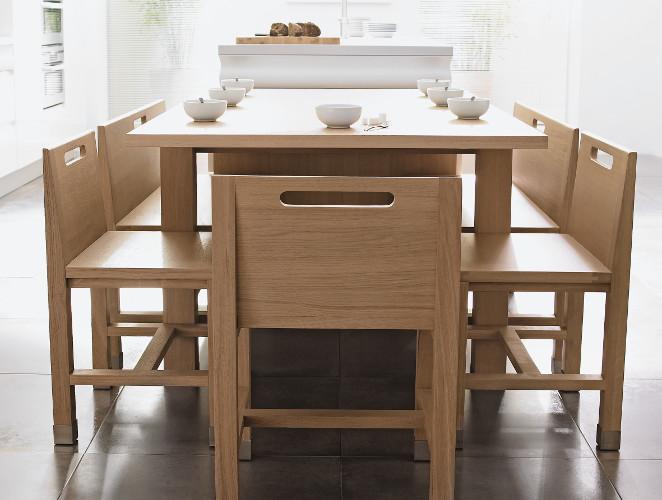 Transformer une table de cuisine en bois